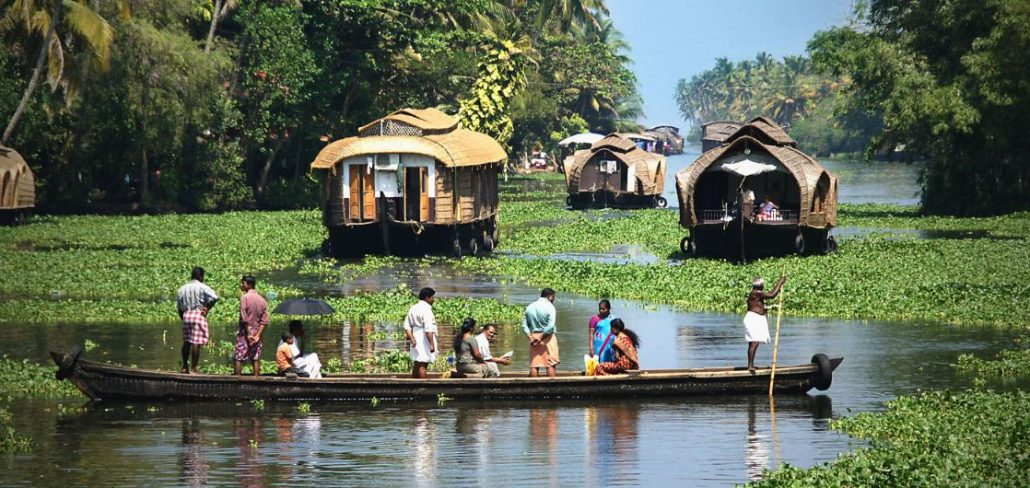 Backwaters Tourisme Masse